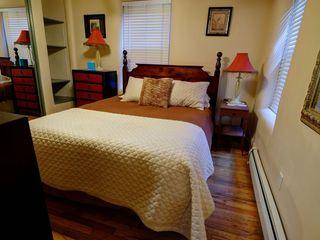 Bedroom 1, queen size bed
