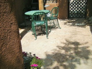 Outdoor patio off of kitchen