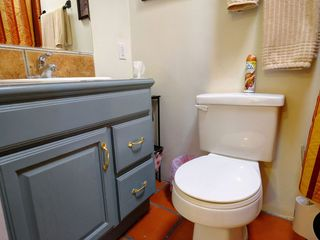 Bathroom 2 with shower/tub