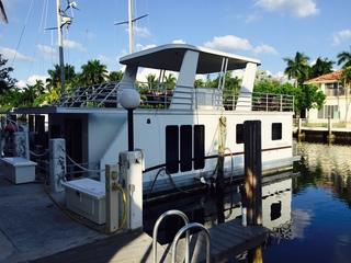 La Dolce Vita Houseboat!